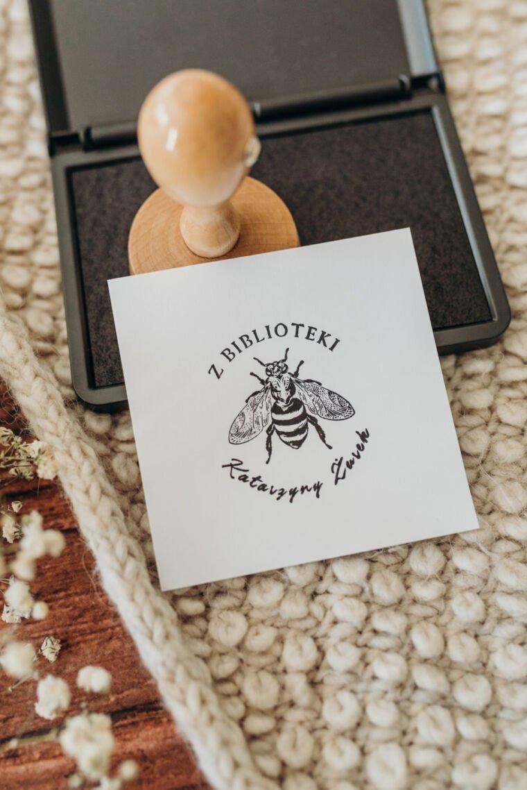 stempel exlibris pszczoła